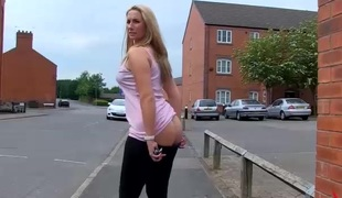 Nasty huge butt golden-haired Paige pissing by the road