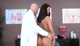 Porn babe Peta Jensen and her M.D. have hawt sex