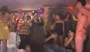 An orgy where everybody watching this babe is giving a blowjob