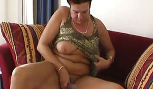Mature amateur granny playing with her old wet hairy cunt