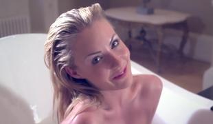 Bathing honey Becky Roberts