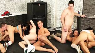 Kinky bi-sexual orgy with delicious sex bombs