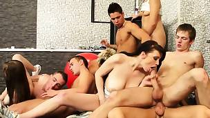 Naughty fuckfest session with bi-sexual dudes