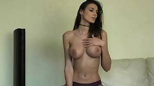Hot Naughty Big Love muffins Brunette Shows It All On Webcam
