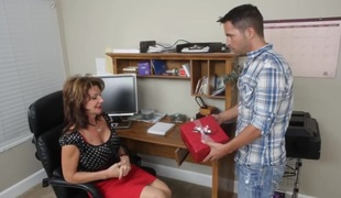 Kris finds his friend`s mom at home