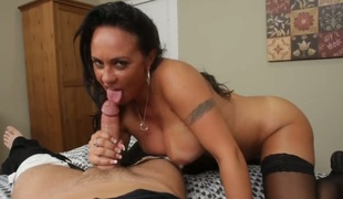 Alec Manly gets pleasure from fucking fuck hungry Mariah Milanos pussy