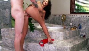 Whitney Westgate enjoys guys worm surrounding her mouth surrounding crazy oral action